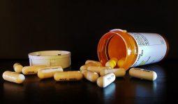 Nên đi khám để biết viêm đường tiết niệu uống thuốc gì