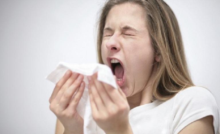 Viêm mũi dị ứng theo mùa kéo theo nhiều triệu chứng khó chịu