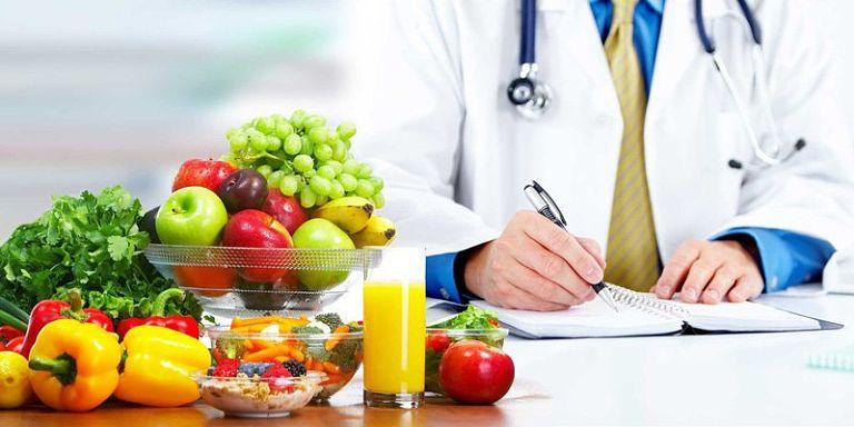 Sau điều trị, người bệnh nên ăn uống đủ chất để vết thương sớm hồi phục