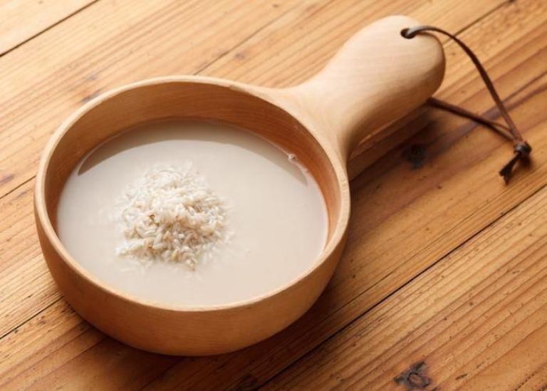 Cải thiện triệu chứng của bệnh huyết trắng tại nhà bằng nước vo gạo