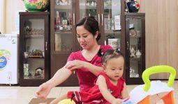 Diễn viên Nguyệt Hằng từng khổ sở vì bệnh mề đay sau sinh