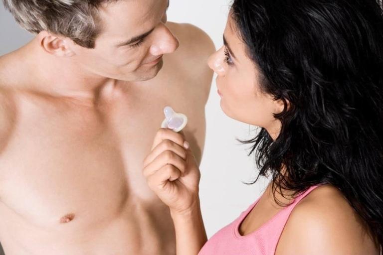 Sử dụng bao cao su khi quan hệ vào tam cá nguyệt thứ ba để tránh nguy cơ sinh non