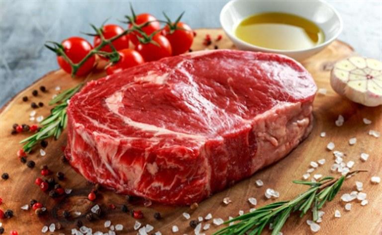 Người bị gout có nên bổ sung thịt bò vào thực đơn ăn uống hàng ngày không?
