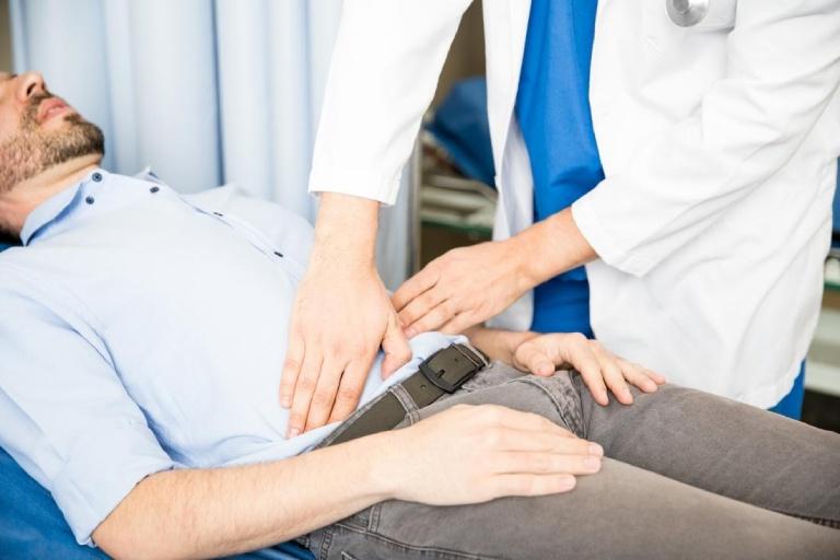 Thăm khám bác sĩ để tìm ra nguyên nhân và hướng dẫn điều trị đúng cách