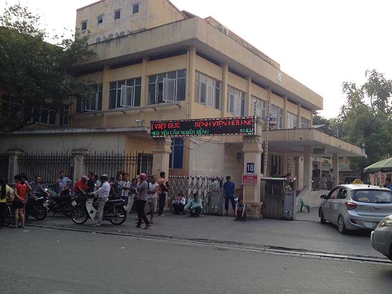 Khám phụ khoa định kỳ tại bệnh viện Việt Đức