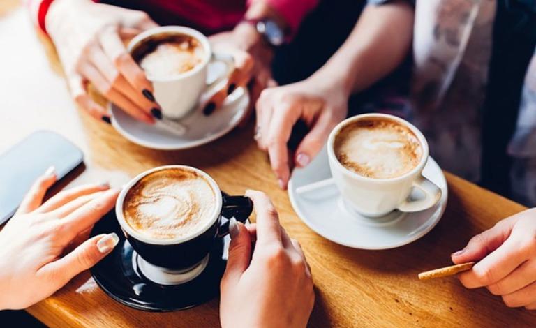 Không sử dụng các loại đồ uống chứa caffein trong vòng 8 tiếng trước khi đi ngủ