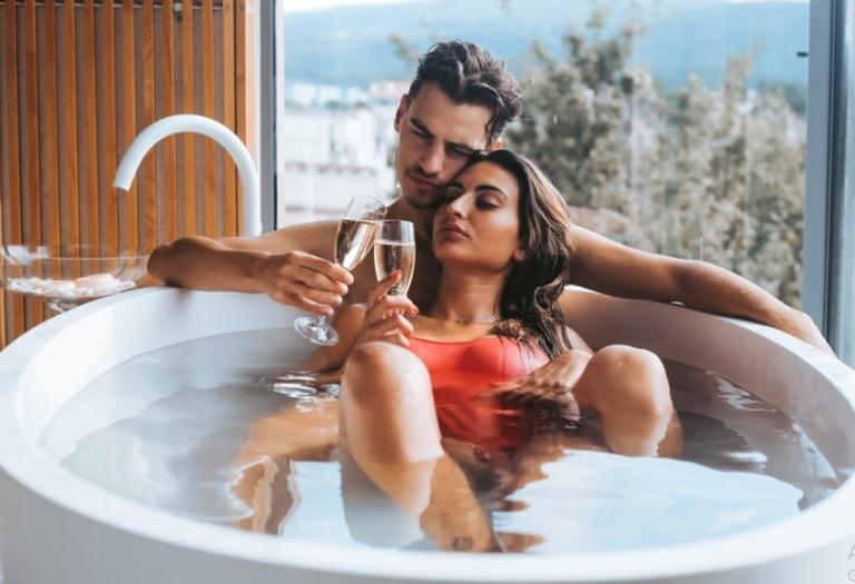 Tuyệt đối không tắm ngay sau khi quan hệ để tránh nguy cơ đột tử