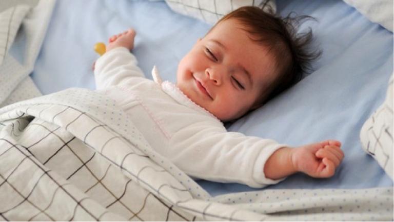 Không gian ngủ của trẻ phải đảm bảo vệ sinh, đủ thông thoáng và ánh sáng