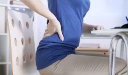 Ngồi lâu bị đau lưng là hiện tượng thường gặp