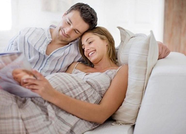 Tháng thứ 9 mẹ bầu cần kiêng quan hệ hoàn toàn để tránh nguy cơ sinh non và nhiễm trùng