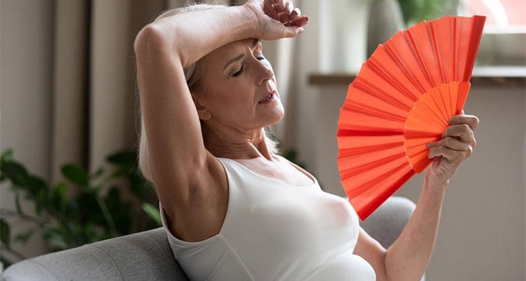 phụ nữ sau mãn kinh  mắc bệnh gì
