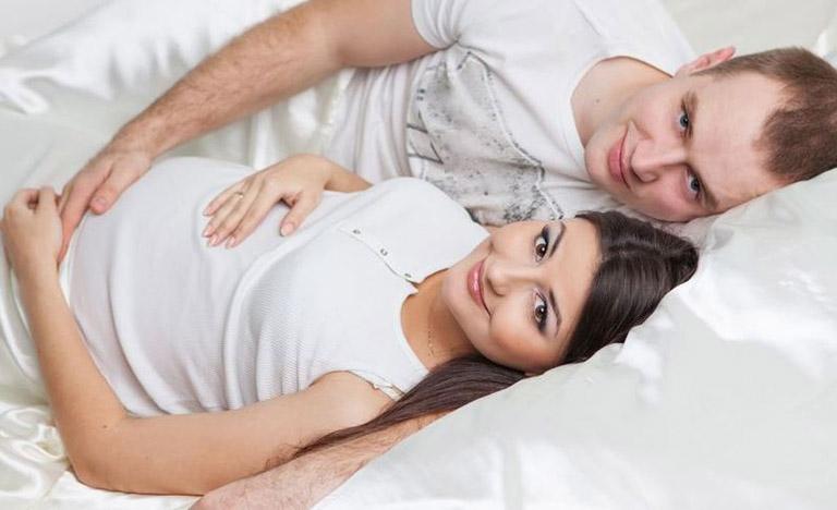 quan hệ tình dục khi mang thai có xuất tinh trong được không