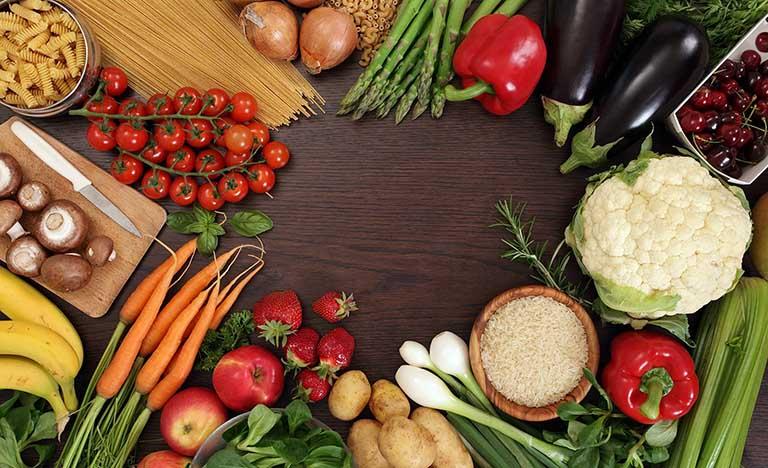 Phụ nữ bị rong kinh nên ăn gì và kiêng ăn gì để nhanh khỏi?