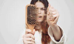Rụng tóc nhiều là thiếu chất gì? Cách nhận biết, bổ sung