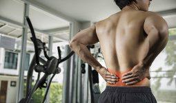 Tập thể hình bị đau lưng xảy ra do nhiều nguyên nhân khác nhau