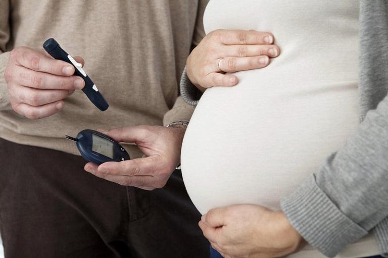 Cần theo dõi và kiểm soát hàm lượng đường Glucose trong máu thường xuyên