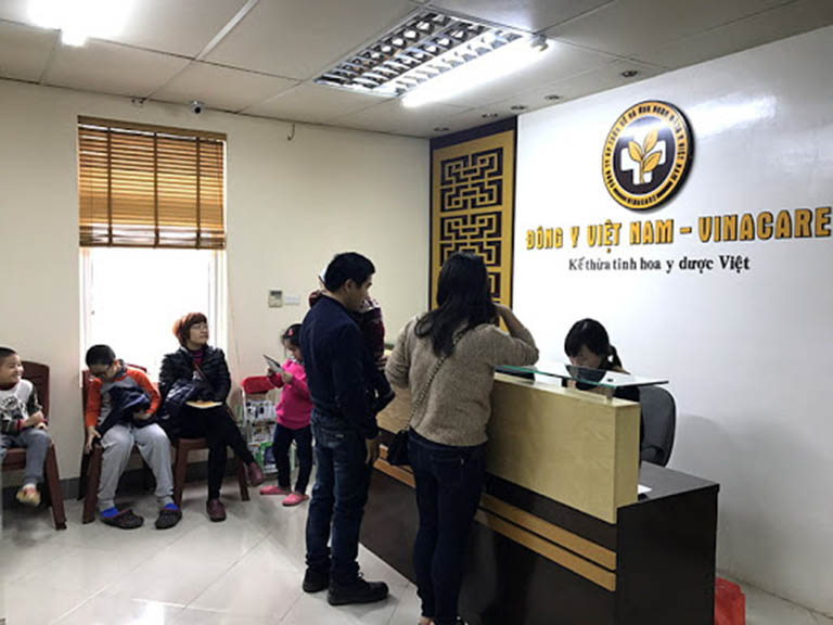 Hình ảnh khu làm thủ tục đăng kí khám tại Trung tâm Đông y Việt Nam