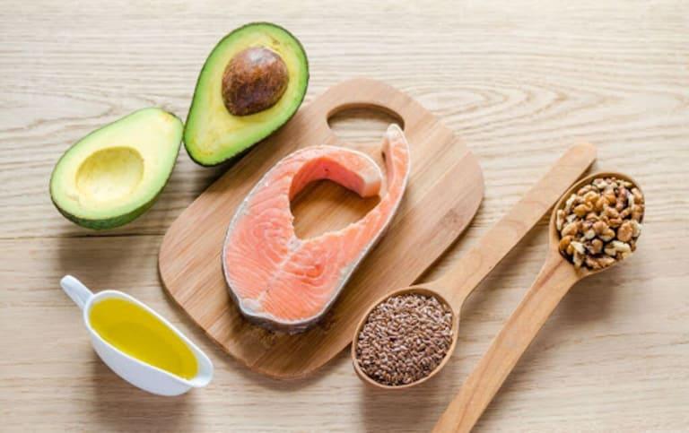 Bị viêm lộ tuyến cổ tử cung nên ăn nhiều thực phẩm chứa axit omega