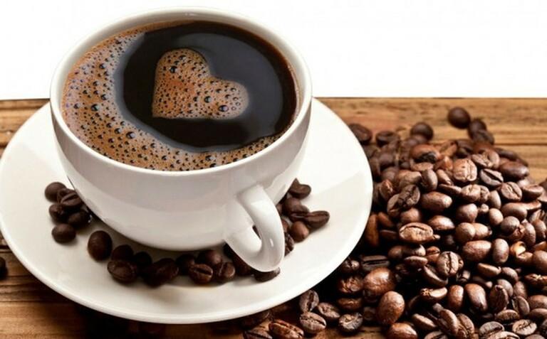 Bị viêm lộ tuyến nên tránh uống cà phê