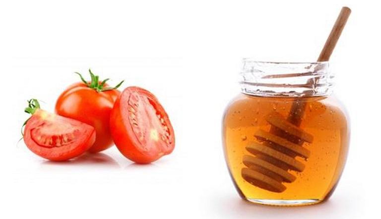 Kết hợp mật ong và cà chua vừa giúp trị tàn nhang hiệu quả vừa thúc đẩy làn da khỏe mạnh