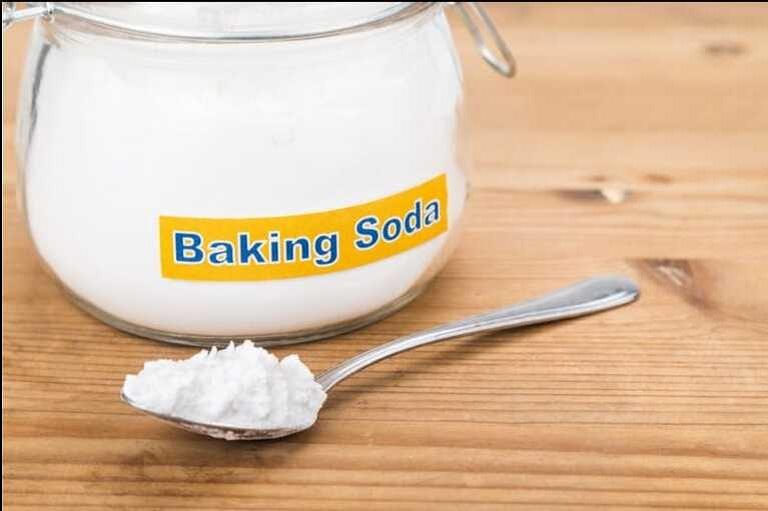 Chăm sóc tóc hư tổn bằng baking soda