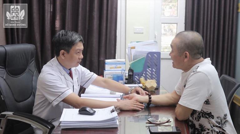 Nghệ sĩ Xuân Hinh tin tưởng lựa chọn Đỗ Minh Đường để chữa bệnh thoái hóa cột sống