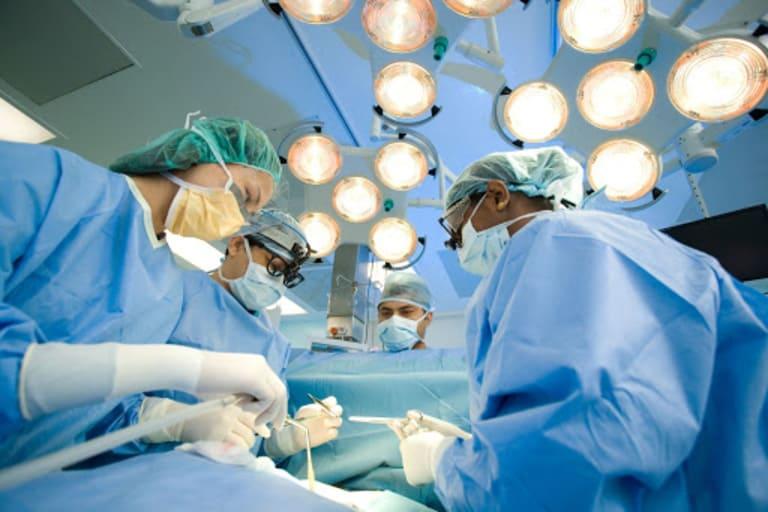 Quy trình mổ u xơ tử cung