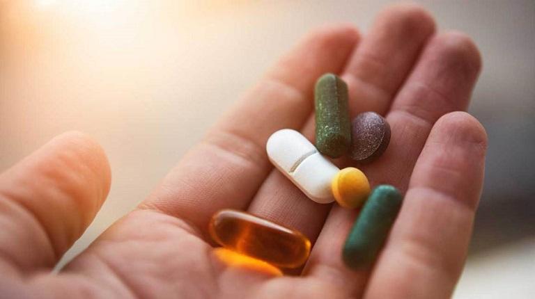 Thuốc chữa bệnh khiến nội tiết tố cơ thể thay đổi, dẫn đến hiện tượng suy giảm chức năng sinh lý