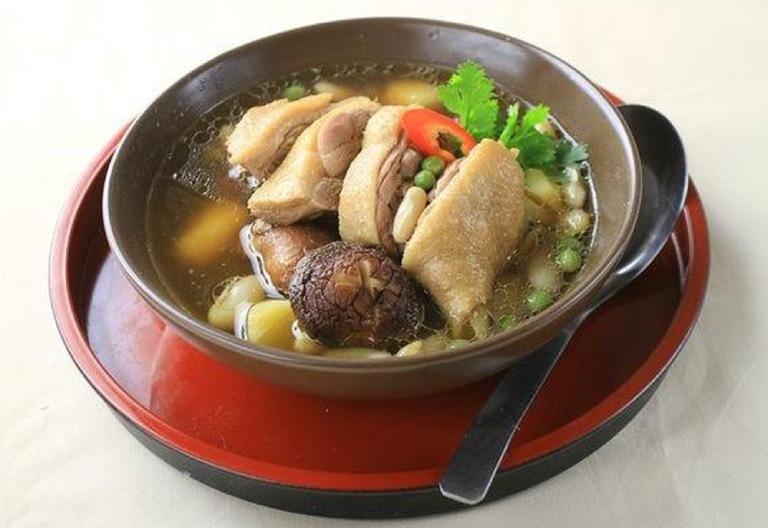 Chế biến thịt vịt thành món ăn bài thuốc để sử dụng khi bị đau dạ dày