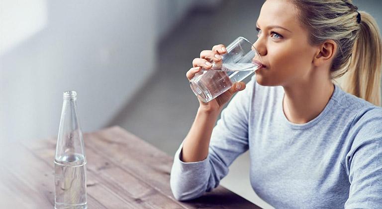 Nước mang tới nhiều tác dụng tốt đối với sức khỏe, trong đó có trị tàn nhang