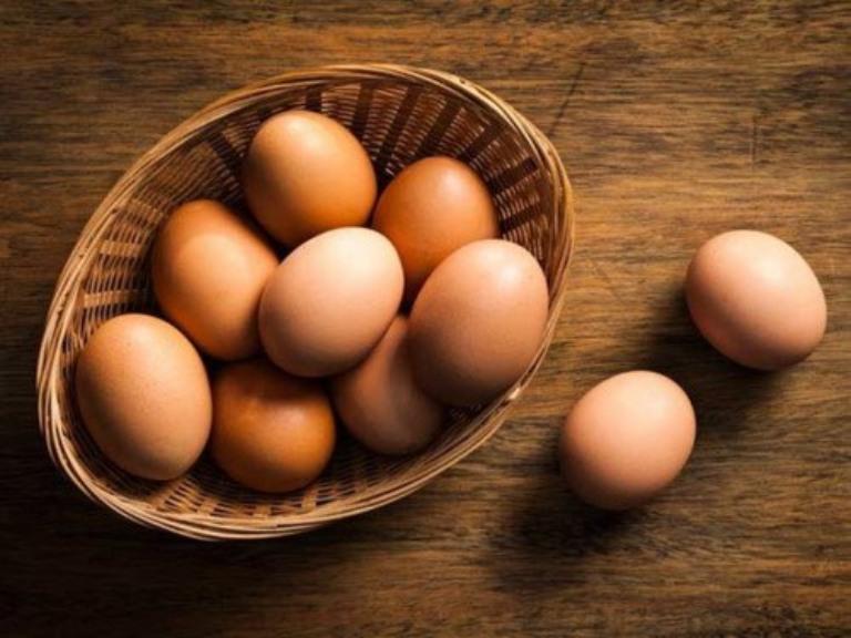 trị mụn bằng trứng gà luộc   Món Miền Trung