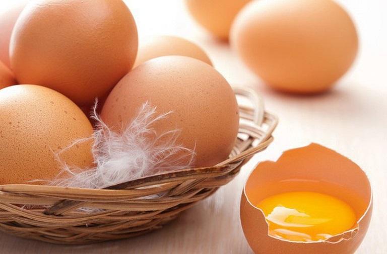 Chữa nám tại nhà bằng lòng trắng trứng