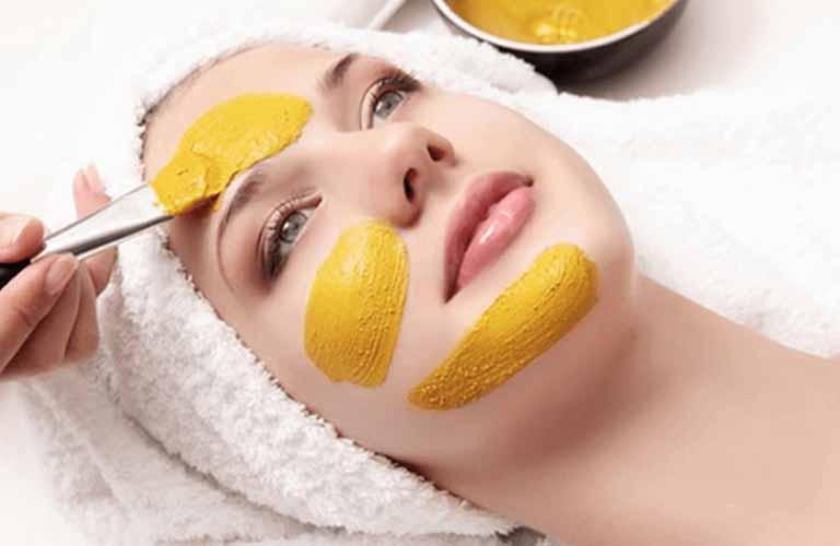 Nghệ được sử dụng làm mặt nạ dưỡng da rất phổ biến