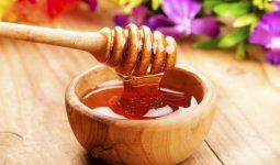 Hướng dẫn trị thâm mụn bằng mật ong đúng cách