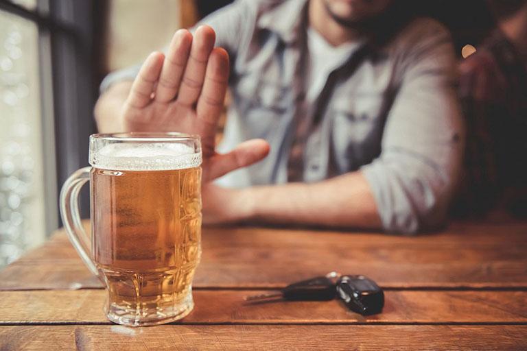 tại sao người uống rượu hay bị bệnh gan