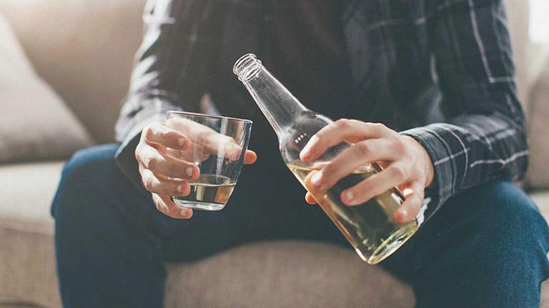 uống rượu bia bị bệnh gan
