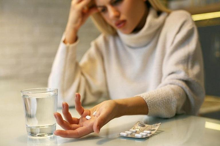 Thuốc chữa bệnh khi dùng phải tuân theo chỉ định của bác sĩ