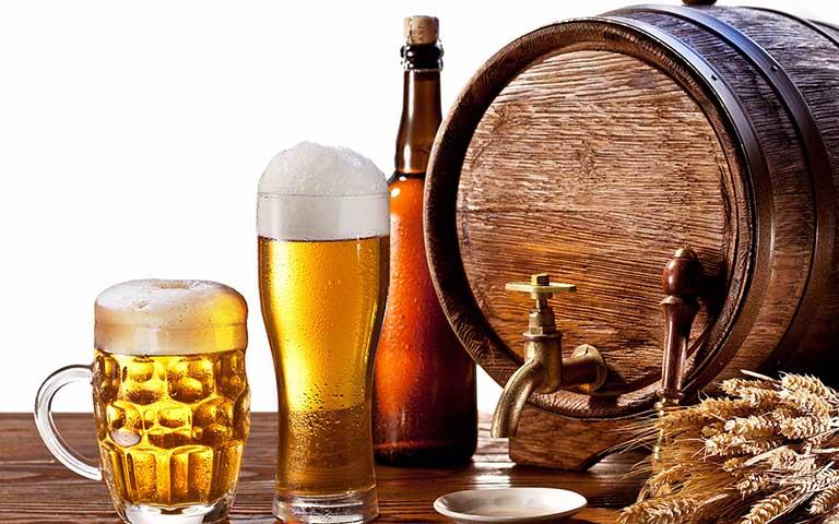 bị xơ gan nên kiêng uống bia rượu