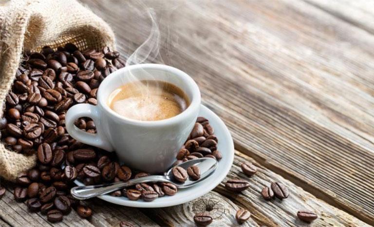 Bệnh gan có nên uống cà phê