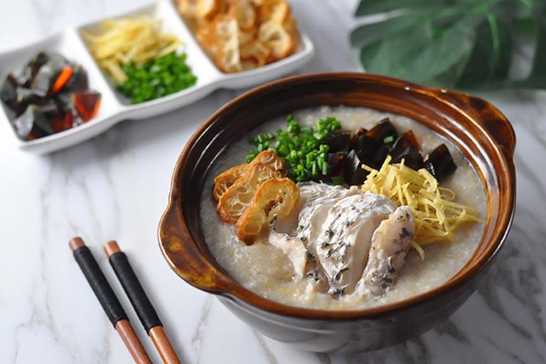 Cháo cá chép là món ăn có tác dụng an thai, thích hợp sử dụng cho mẹ bầu đang trong thời kỳ tam cá nguyệt đầu tiên