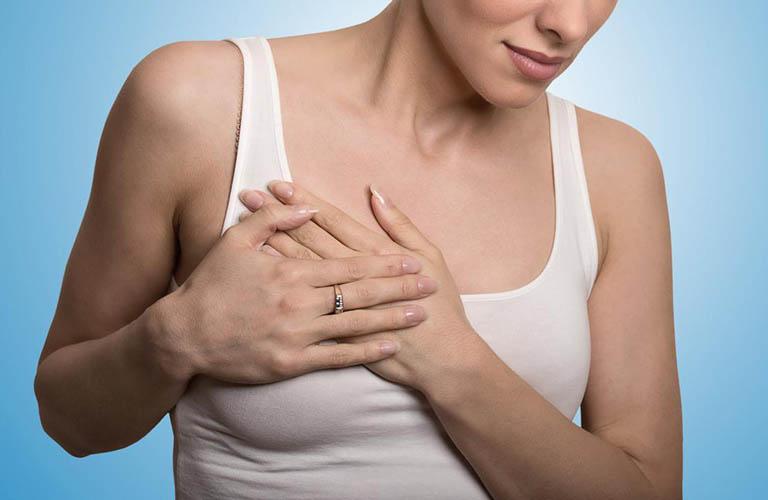 Vùng ngực có dấu hiệu sưng kèm theo cảm giác đau nhức khi mang thai