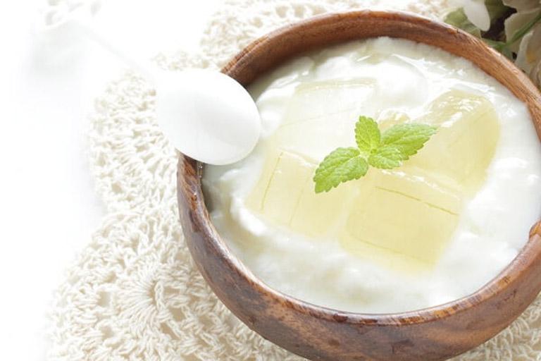 Mẹ bầu có thể ăn sữa chua với liều lượng vừa đủ để đảm bảo an toàn cho sức khỏe