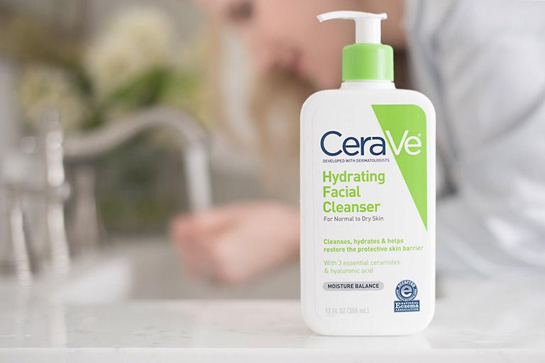 Sữa rửa mặt cho da nhạy cảm và mụn