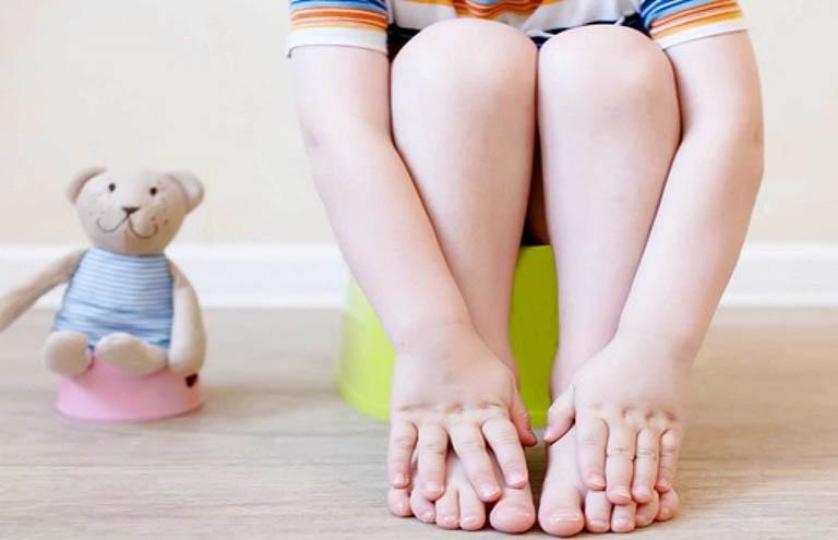 Táo bón ở trẻ em: Nguyên nhân, dấu hiệu, cách điều trị