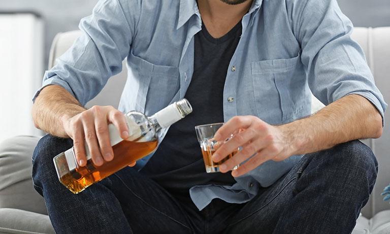 Rượu, bia có thể là nguyên nhân dẫn đến vô sinh