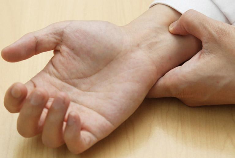 Bấm huyệt chữa xuất tinh sớm là mẹo được rất nhiều quý ông áp dụng và mang lại hiệu quả tốt