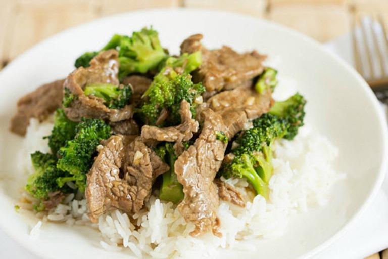 Súp lơ xào thịt bò tốt cho sức khoẻ sinh lý nam giới