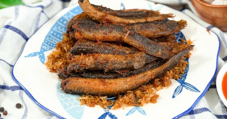 Tăng cường sức khoẻ sinh lý bằng cách bổ sung món cá chạch chiên riềng sả vào thực đơn ăn uống