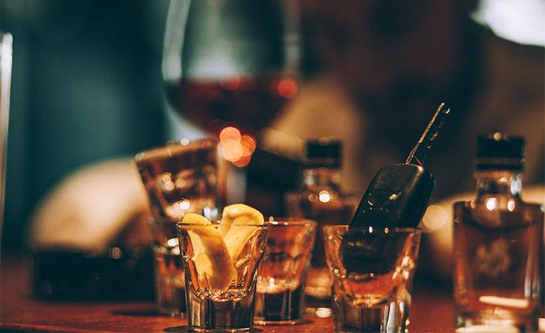 Uống rượu điều độ có tốt không