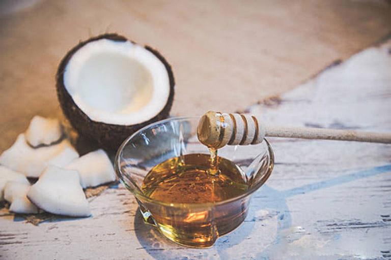 Kết hợp mật ong với dầu dừa để điều trị bệnh chàm eczema tại nhà